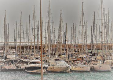 La marina de Valencia - rentjetskivalencia.com