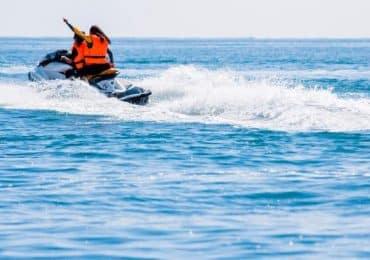Motos de agua navegando por puebla
