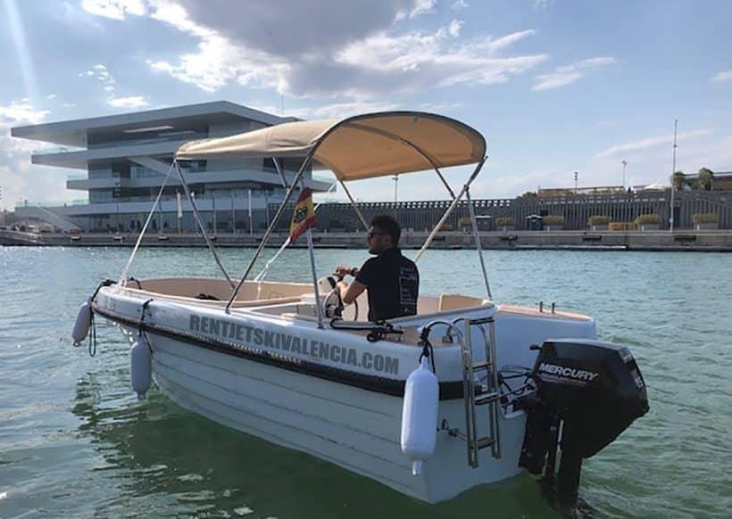 Barcos sin licencia valencia