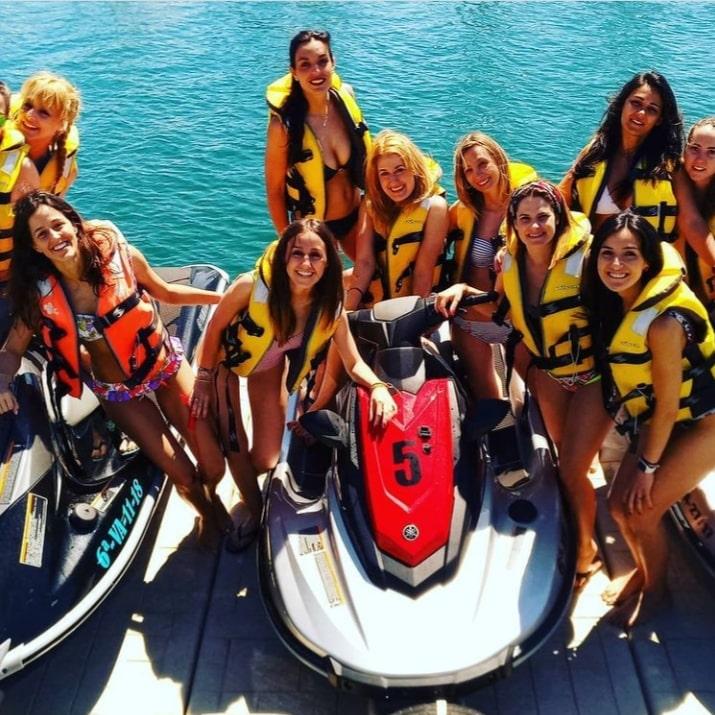 Rent Jetski Valencia®️ - Motos de Agua Valencia - Banana Boat Valencia - Despedidas de Soltera - Alquiler Motos Agua - Alquiler Catamarán Fiestas - JetSki Valencia